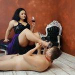 EPIC feeding with Goddess Zaleya with TOILETSLAVE4ALL [FullHD / 2020]