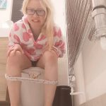 EXTREME Plastic Pants Messing with PooGirlSofia Dirty Blonde Girl [FullHD]